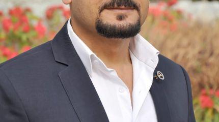 صاحب السعاده وراء ظهور الفنانه ياسمين رحمي أثناء الحظر