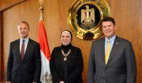 وزيرة التجارة والصناعة تبحث مع وفد الخارجية الاكريكيه تعزيز التعاون المشترك خلال المرحلة المقبلة