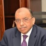وزير التنمية المحلية يتابع سير جولة الإعادة لانتخابات مجلس الشيوخ في 14 محافظة